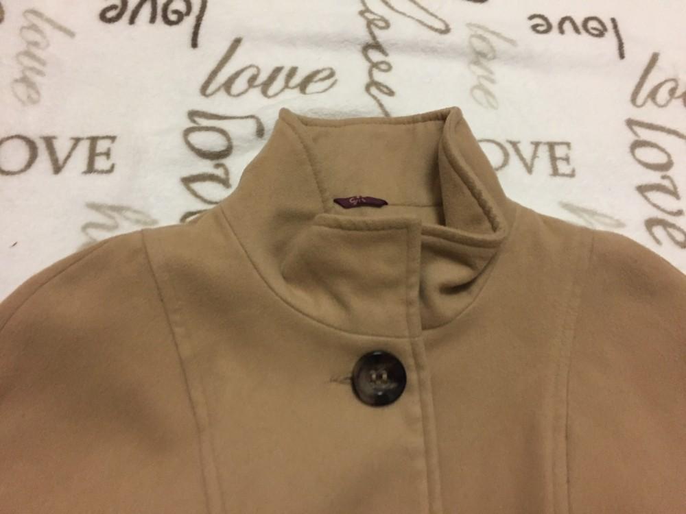 F§F 9-10 évesre való 140 cm bézs poncsó jellegű lány kabát - újszerű ... 6ccd3c49f2